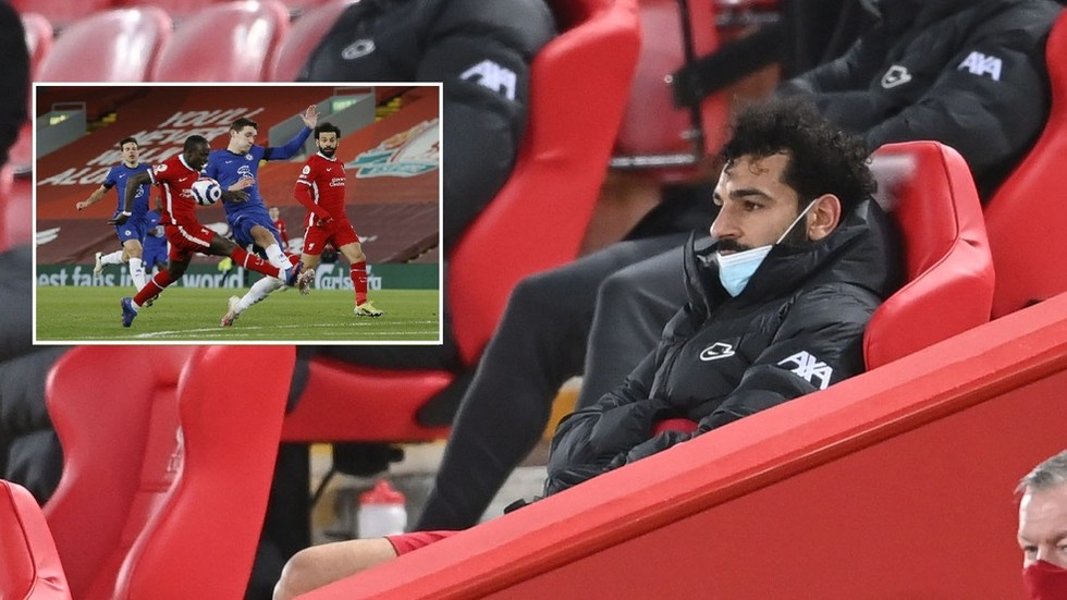 Ex-Liverpool star Owen offers 'wild theory' on why Mane didn't want to win penalty for Salah against Chelsea