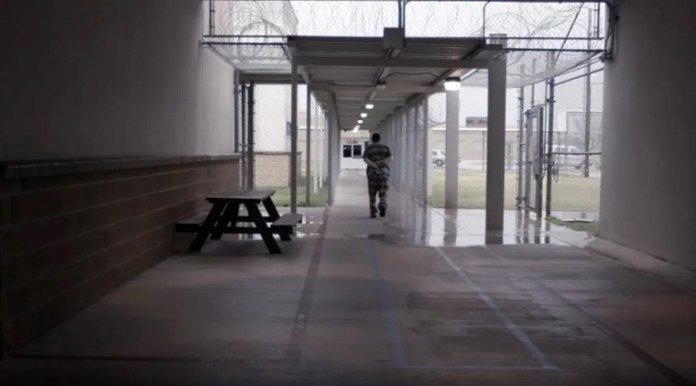 Grading COVID-19 data inside prisons