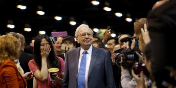 Analysis: Warren Buffett's power play puts a price on electric reliability in Texas