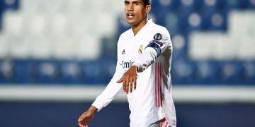 Chelsea 'jump ahead' of Man Utd in Varane transfer race with PSG also keen