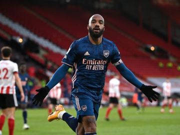 Five talking points as Lacazette stars in comfortable Arsenal win