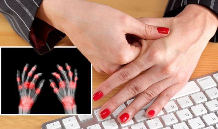 Rheumatoid arthritis symptoms: The four warning signs in your fingers – 'numb, tingle'