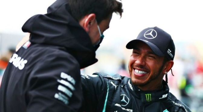 Lewis Hamilton contract vow made by Mercedes as Toto Wolff hints when talks will begin