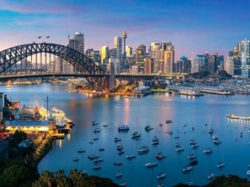 Australia flights: How long before Australia opens its borders? Expert says could be YEARS
