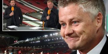 Manchester United boss Solskjaer hits back at Scholes and Hargreaves after Roma win