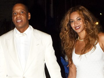 Beyonce Looks Gorgeous On Date Night With Jay Z While Dripping In Gold Chains In White Suit