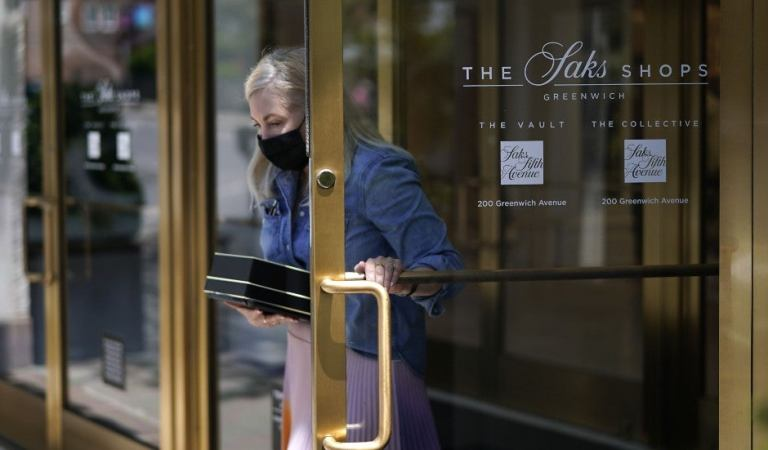 Saks Fifth Avenue phasing out animal fur