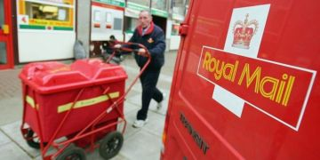 Royal Mail scam warning as criminals try to dupe man out of £25,000