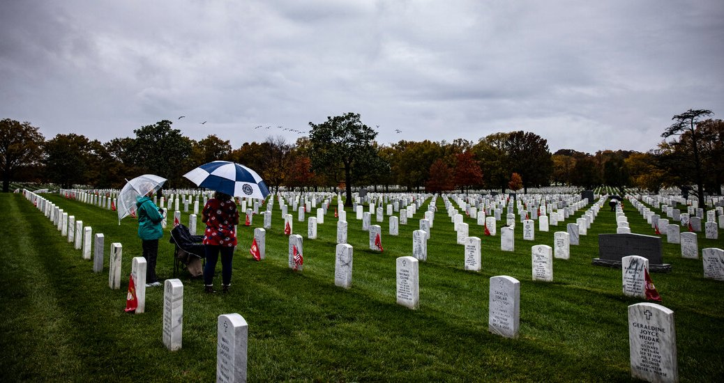 Arlington and Other National Cemeteries Relax Rules Before Memorial Day