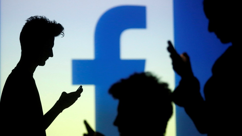 Boom Bust looks at to how Facebook's abuse of user data created market opportunities for Signal