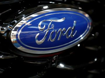Ford recalls nearly 617,000 U.S. Explorer SUVs