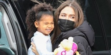 Khloe Kardashian Hosts Cute Paint Party For Daughter True & Her Cousins — Watch