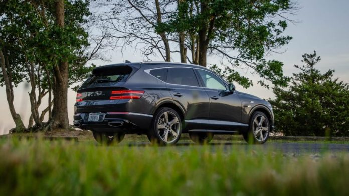 TEST DRIVE 2021 Genesis GV80 -- Is it better than the BMW? What is X5?
