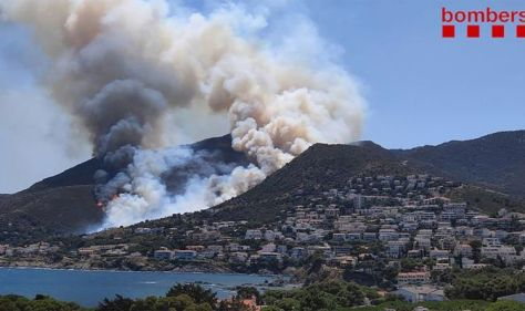 Spain: Tourists forced to flee after Spain's fire: It's a terrible situation.