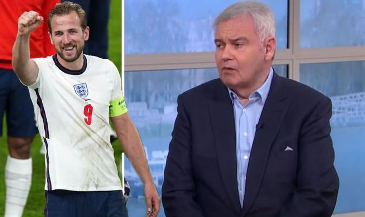 'Get your own song!' Eamonn Holmes hits out at England fans after Euro 2020 victory