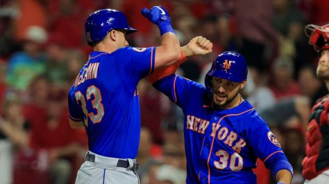 Mets hit seven homers, eventually beat Reds despite another Edwin Diaz blown save