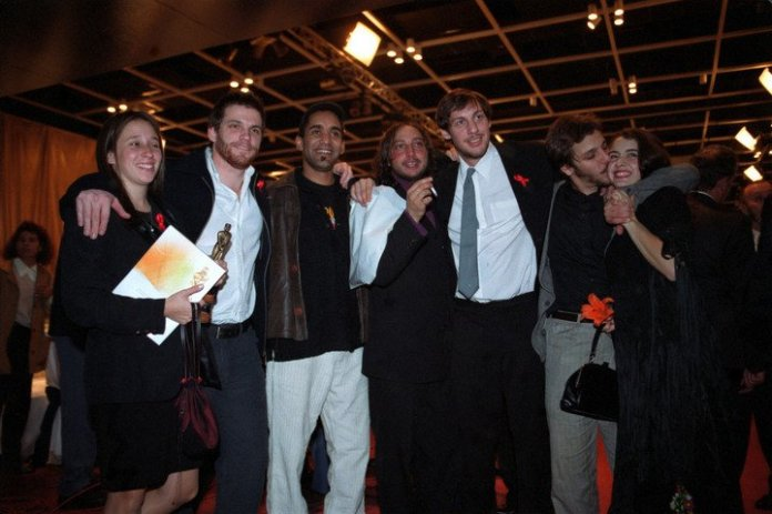 """The cast of """"Okupas"""" at the 2001 Martin Fierro party."""