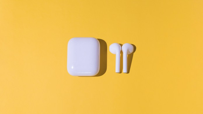 AirPods measure your respiratory rate by simply listening. You breathe.