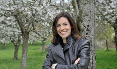 """The near-disastrous encounter of Julia Bradbury with Charles """"Nearly knocked off his thumb"""""""