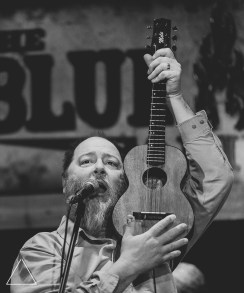 Kevin Russell of Shinyribs. Photos by Landan Luna/New Slang.