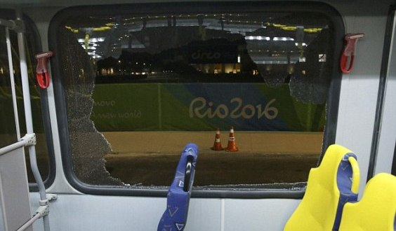 Medi bus attacked in Rio A t Olympic Games