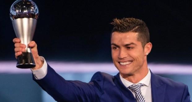Cristiano Ronaldo becomes Fifa best male player