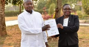museveni warns land grabbers