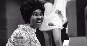 Aretha Franklin dies