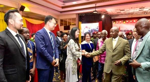 Museveni meets chinese community