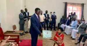 Bad Black Visits Mengo, Donates 200k To Buganda Kingdom