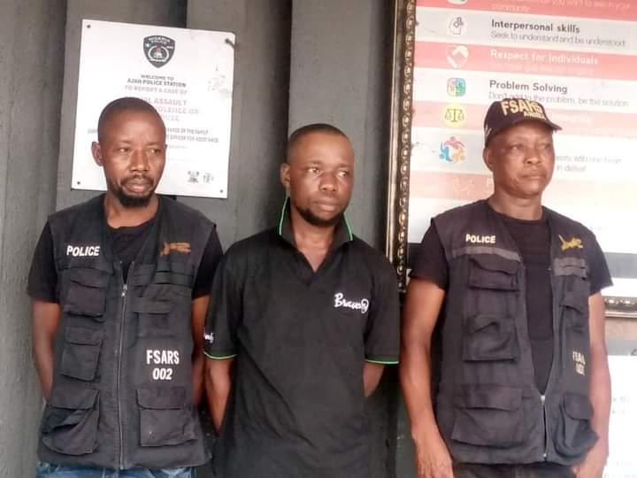 Police Arrest 2 FSARS Operatives, 1 Civilian Accomplice in Lagos