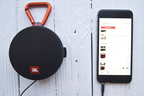 JBL Clip 2 Connected with Phone