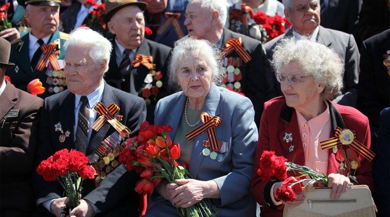 Выплаты ко Дню Победы по 10.000 рублей в 2018 году могут получить 100 тысяч пенсионеров
