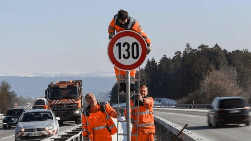 На российских дорогах разрешат скоростной режим 130 км/ч