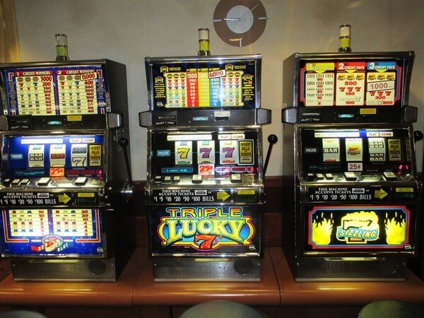 Slot machine cheating device for sale