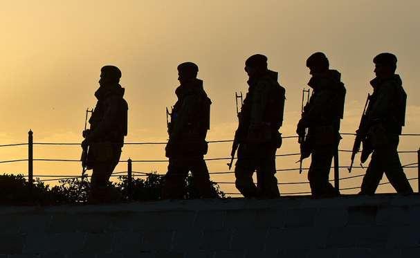 Indian army firing at LOC in Kashmir