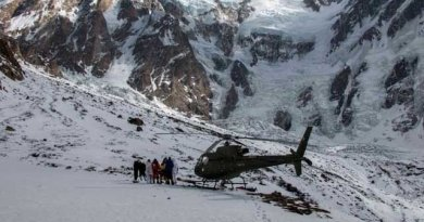 Pakistan Army Rescue two foreign mountaineers from Baltoro Glacier
