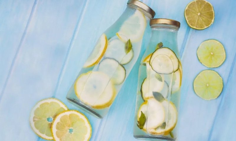 How to drink lemon water