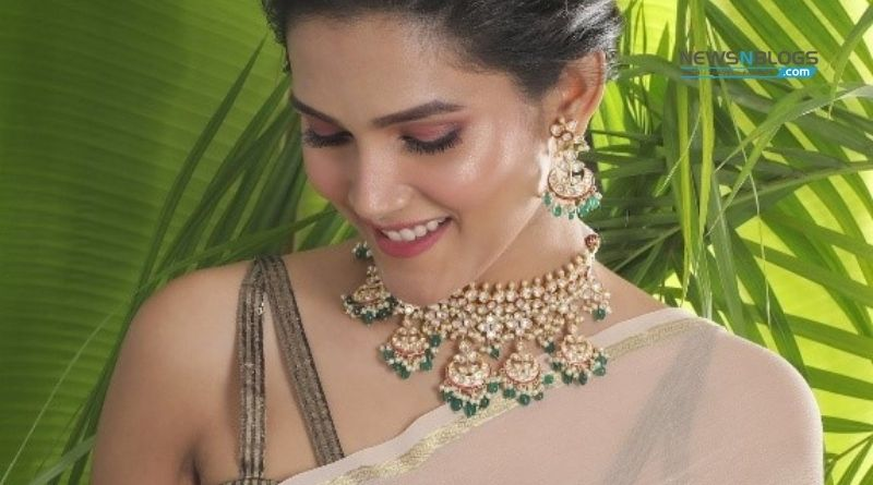 How to wear a Polki necklace set
