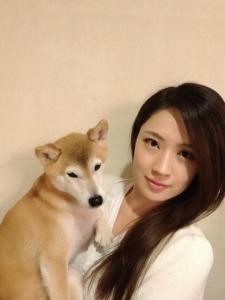 犬山紙子と愛犬コロッケ
