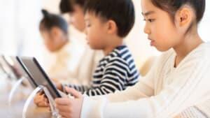 知育、徳育、体育——21世紀は徳育が最も重要となる / 系統的な教育実践と教材、主体者の育成の3つが必要