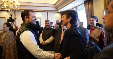 जी-20 देशों के राजनयिकों के साथ राहुल गांधी