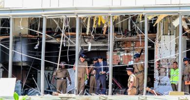 श्रीलंका में फिर हुए तीन धमाके