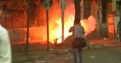 पश्चिम बंगाल के कोलकाता में मंगलवार को बीजेपी अध्यक्ष अमित शाह के रोड शो में हुए हंगामे के बाद अब आरोप-प्रत्यारोप का दौर शुरू हो गया है।