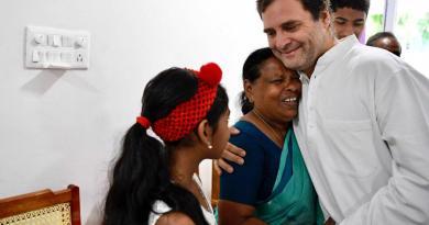 राहुल गांधी नर्स रजम्मा से मिले