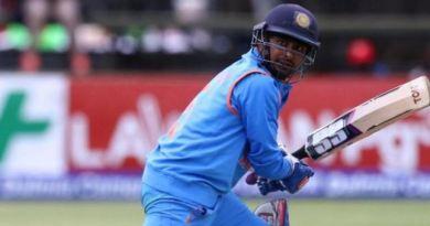 टीम इंडिया के मिडिल ऑर्डर बल्लेबाज अंबाति रायडू ने क्रिकेट से संन्यास ले लिया है। उन्होंने बुधवार को इसका ऐलान किया है।