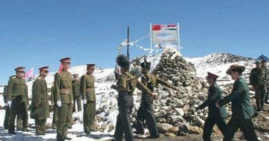 भारतीय सेना ने चीनी सैनिकों के घुसपैठ की खबरों का खंडन किया है। मीडिया रिपोर्ट्स के मुताबिक चीनी सेना ने लद्दाख में घुसपैठ नहीं की।