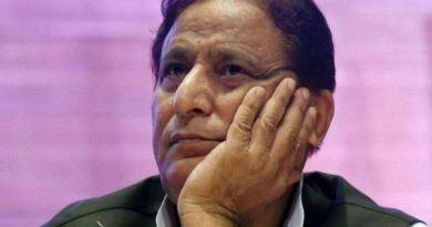 समाजवादी पार्टी से सांसद आजम खान के सितारे इन दिनों गर्दिश है। एक बाद एक मुश्किलों में वो घिरते जा रहे हैं।
