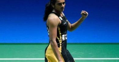 ओलंपिक में रजत पदक विजेता सिंधु ने रविवार को स्विट्जरलैंड में BWF बैडमिंटन वर्ल्ड चैंपियनशिप-2019 के फाइनल मुकाबले में जापान की नोजोमी ओकुहारा को हराकर गोल्ड मेडल अपने नाम कर लिया।