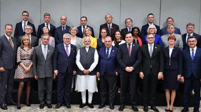 यूरोपीय संघ के डेलिगेशन के कश्मीर दौरे को लेकर लगातार सवाल उठ रहे हैं। विपक्ष इसे लेकर सरकार पर हमलावर है।